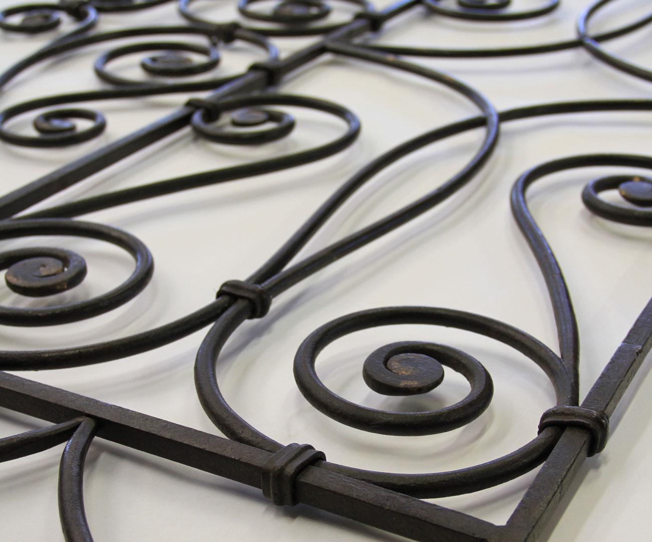 Giuliano Bovina - Restauro e lavorazione artistica ferro battuto